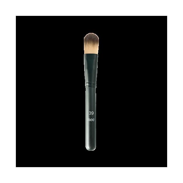 basic-foundation-brush-39